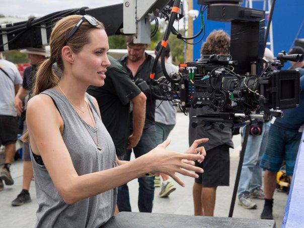Angelina Jolie este
