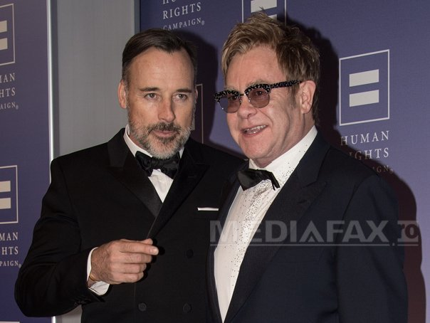 Elton John si David Furnish s-au casatorit oficial