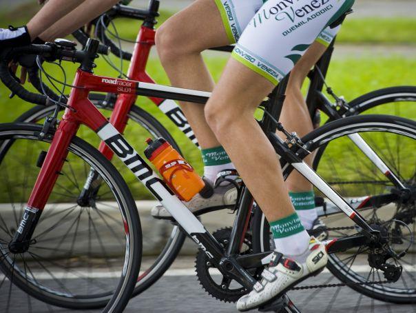 Traseu de zece kilometri, parcurs la Timişoara de circa 5.000 de biciclişti de diferite vârste