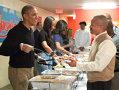Imaginea articolului Americanii sărbătoresc Ziua Recunoştinţei: Barack Obama a servit cina tradiţională veteranilor de război - GALERIE FOTO, VIDEO