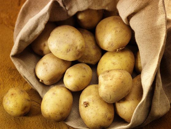Imaginea articolului O fotografie care prezintă un cartof a fost vândută cu aproape un milion de euro - FOTO