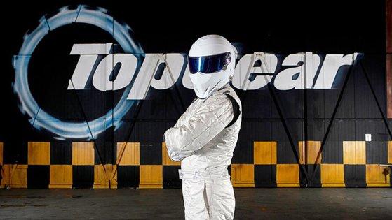 """Imaginea articolului Noua versiune a show-ului """"Top Gear"""" va avea şase prezentatori, cărora li se va alătura The Stig - FOTO"""