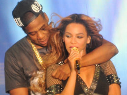 Beyonce a BĂTUT toate RECORDURILE la MTV Video Music Awards! Câte premii a câştigat celebra cântăreaţă!