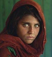 """""""Fata afgană"""", apărută pe coperta revistei National Geographic în 1985, a fost arestată. Cum arată acum FOTO"""