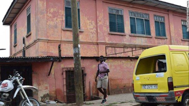 """Imaginea articolului O ambasadă fictivă a Statelor Unite din Ghana, care elibera vize ilegale, închisă după zece ani de funcţionare. Cum motivează autorităţile americane """"scăparea"""""""