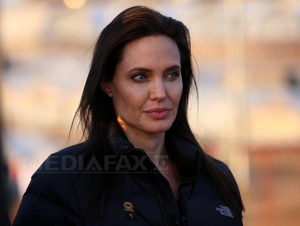 Imaginea articolului Angelina Jolie primeşte toate drepturile de custodie asupra copiilor pe care îi are cu Brad Pitt