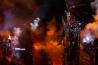 Imaginea articolului VIDEO Super Bowl: Lady Gaga a plonjat de pe acoperişul unui stadion şi s-a scăldat în lumina dronelor