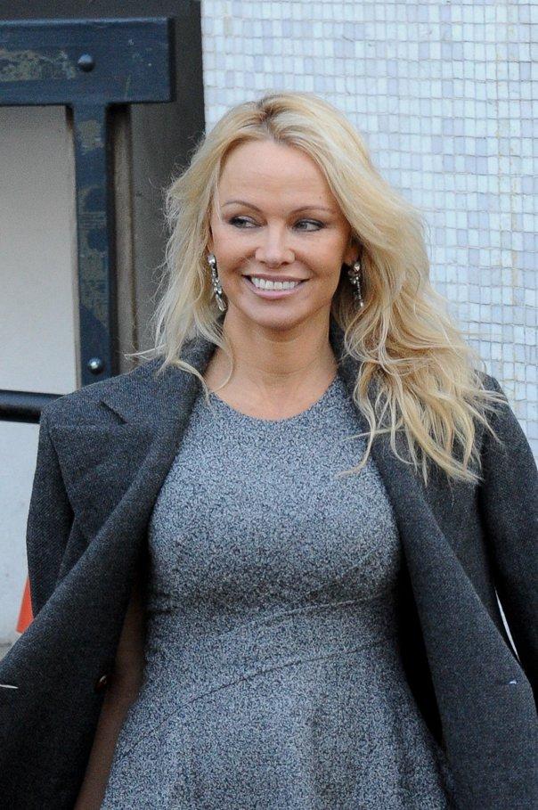 Imaginea articolului Pamela Anderson susţine bărbaţii acuzaţi pe nedrept de viol