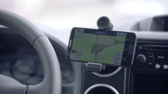 Imaginea articolului Decizie tranşantă a autorităţilor din Marea Britanie: Cei care nu ştiu să utilizeze dispozitivele GPS nu vor mai putea obţine permis de conducere