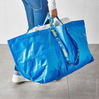 Descoperirea făcută într-un mall din ROMÂNIA. Sacoşa de la IKEA vândută într-un mare magazin de lux la un preţ...
