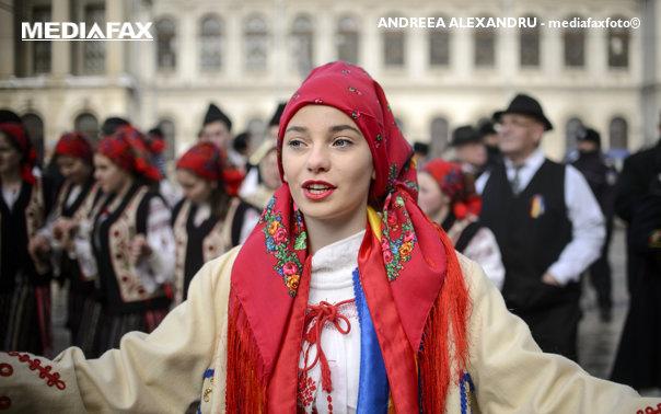 Imaginea articolului Bistriţa-Năsăud se pregăteşte să intre în Cartea Recordurilor cu dansul şi costumul popular