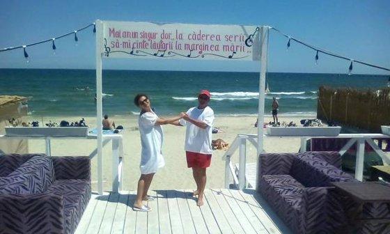 """Imaginea articolului GALERIE FOTO Singura actriţă din România care poate spune cu adevărat că are plaja ei """"La buza marii"""""""