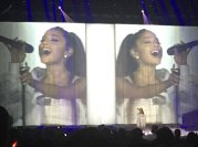 MESAJUL Arianei Grande, artista care a susţinut concertul de pe Arena din Manchester, unde a avut loc ATACUL TERORIST. Mărturii CUTREMURĂTOARE - FOTO, VIDEO