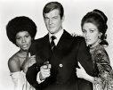 Imaginea articolului Actorul Roger MOORE, care l-a interpretat pe faimosul spion James Bond, a murit la vârsta de 89 de ani