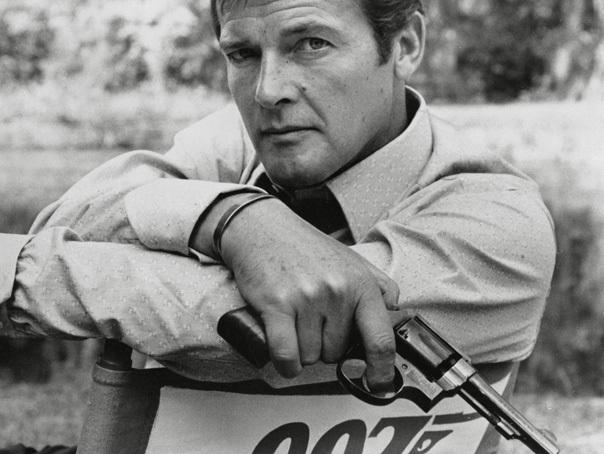 Imaginea articolului FOTO Omagiu pentru Sir Roger Moore. Bond nu moare niciodată – supremele maşini 007