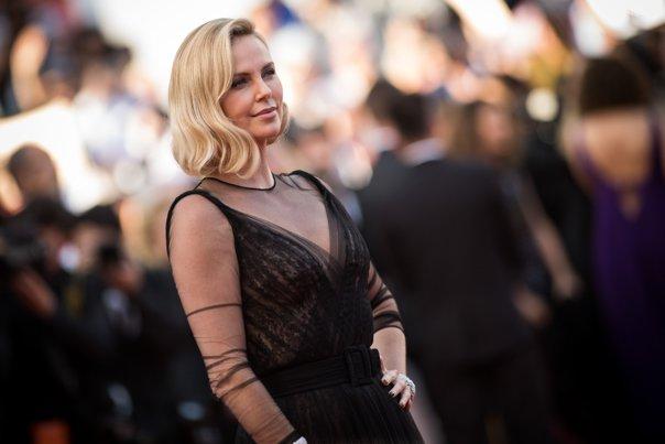 Imaginea articolului VIDEO Petrecere aniversară, grandioasă, la Cannes: 70 de ani de festival, sărbătoriţi pe covorul roşu. Printre invitaţi, Will Smith, Charlize Theron, Nicole Kidman, Marion Cotillard, Leonardo di Caprio GALERIE FOTO