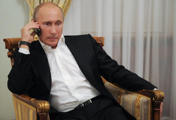 Imaginea articolului Ce smartphone-uri folosesc celebrităţile, dar şi liderii lumii, precum Putin sau Merkel. Numele grele din tabăra iPhone, Samsung sau BlackBerry