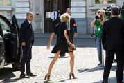 Brigitte Macron, într-o ţinută îndrăzneaţă, la Bruxelles, la prima ieşire importantă ca Primă Doamnă a Franţei. FOTO