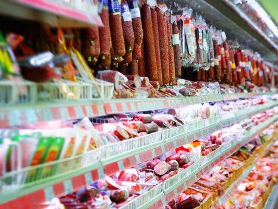 Imaginea articolului SALAMUL DE VARĂ: Ce trebuie să ştii despre unul dintre cele mai consumate produse ale românilor