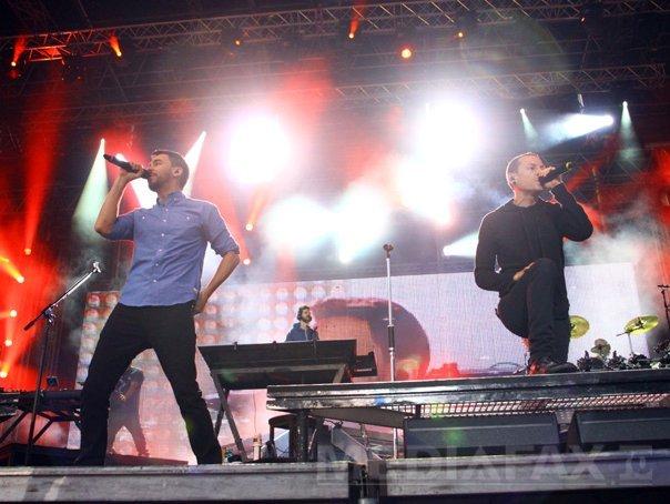 Imaginea articolului DOLIU în lumea muzicii: S-a SINUCIS solistul de la Linkin Park, Chester Bennington. Şi-a luat viaţa chiar de ziua prietenului său Chris Cornell, la a cărui înmormântare a cântat