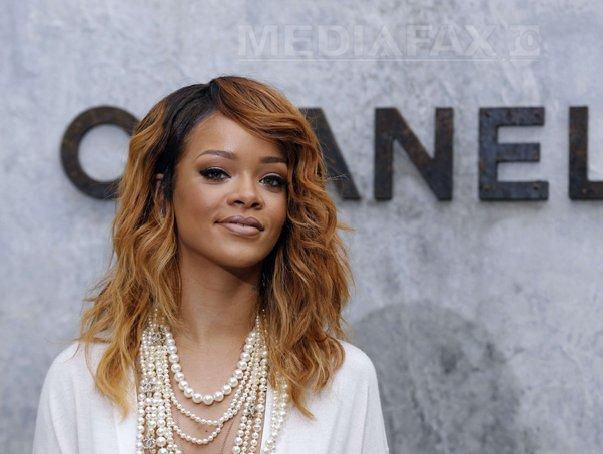 Imaginea articolului Rihanna va fi primită de Emmanuel Macron la Palatul Élysée