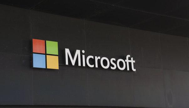 """Imaginea articolului Microsoft se răzgândeşte în privinţa """"Paint"""", după reacţiile de pe reţelele de socializare"""
