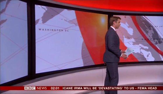 Imaginea articolului VIDEO   GAFĂ de proporţii pentru BBC. Un prezentator s-a pierdut în propriul studio/ Întregul moment a fost LIVE