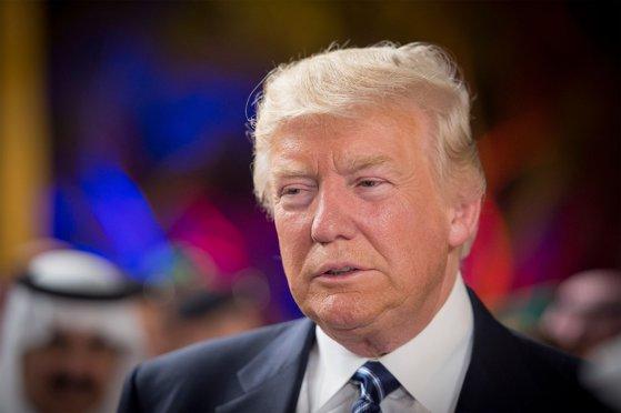 Imaginea articolului Trump, BUNIC pentru a noua oară. Prima poză cu nepotul său, postată pe reţeaua socială favorită | FOTO