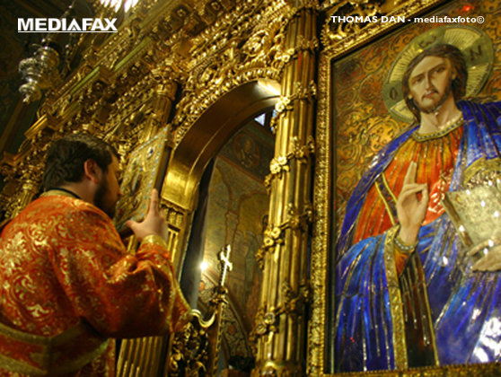 Imaginea articolului Înălţarea Sfintei Cruci - Mare sărbătoare în calendarul ortodox, pe 14 septembrie, denumită şi Ziua Crucii. Tradiţii şi obiceiuri