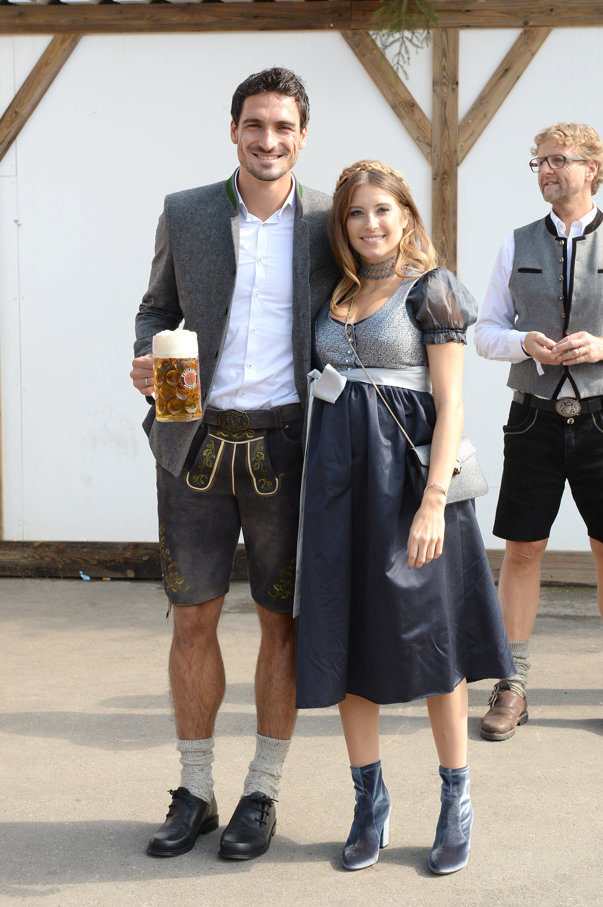 Fotbaliştii de la Bayern Munchen au dat gustul amar al dezamăgirii după meciul cu Wolfsburg, pe cel al berii, la Oktoberfest
