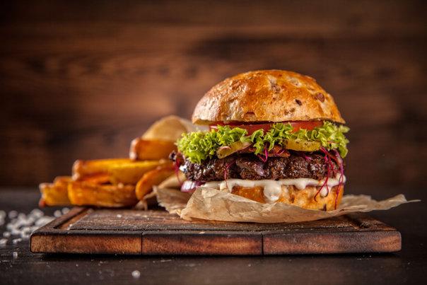 Imaginea articolului Mai nociv decât hamburgerii de la McDonald's! Un popular sos de paste are efecte devastatoare pentru sănătate