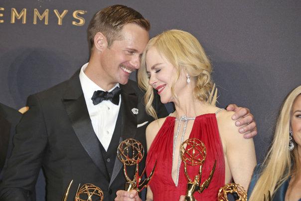 Imaginea articolului Nicole Kidman dezvăluie adevărul din spatele sărutului care a surprins audienţa la decernarea premiilor Emmy: Dar mi-am sărutat şi soţul