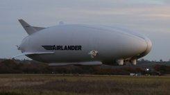 La un pas de TRAGEDIE. Cea mai mare aeronavă din lume s-a prăbuşit. Două persoane au fost rănite | FOTO, VIDEO