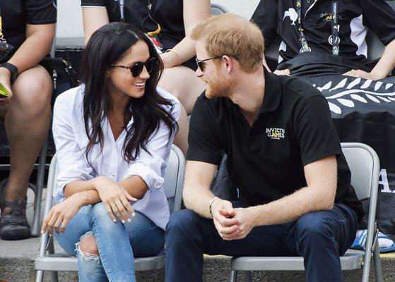 Imaginea articolului Prinţul Harry se căsătoreşte cu actriţa americană Meghan Markle / Anunţul făcut de Palatul Kensington şi primele fotografii oficiale cu cei doi logodnici   FOTO, VIDEO