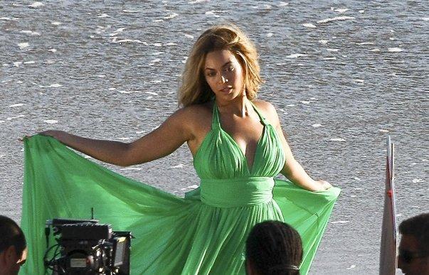 Imaginea articolului Beyonce, pe primul loc în topul Billboard, după o pauză de aproape zece ani. Duetul care i-a adus succesul în Billboard Hot 100