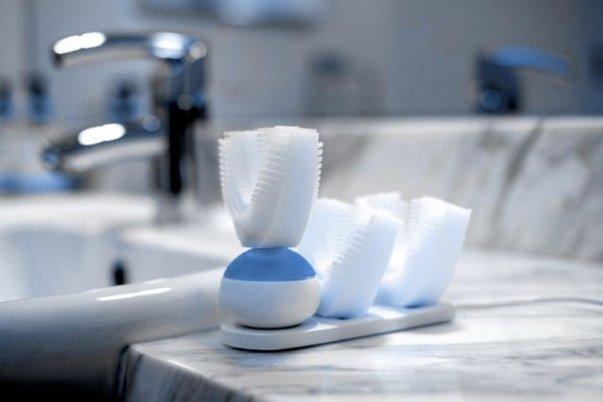 Imaginea articolului Periuţa de dinţi pentru leneşi: Spală singură dantura, perfect, în doar 10 secunde | VIDEO