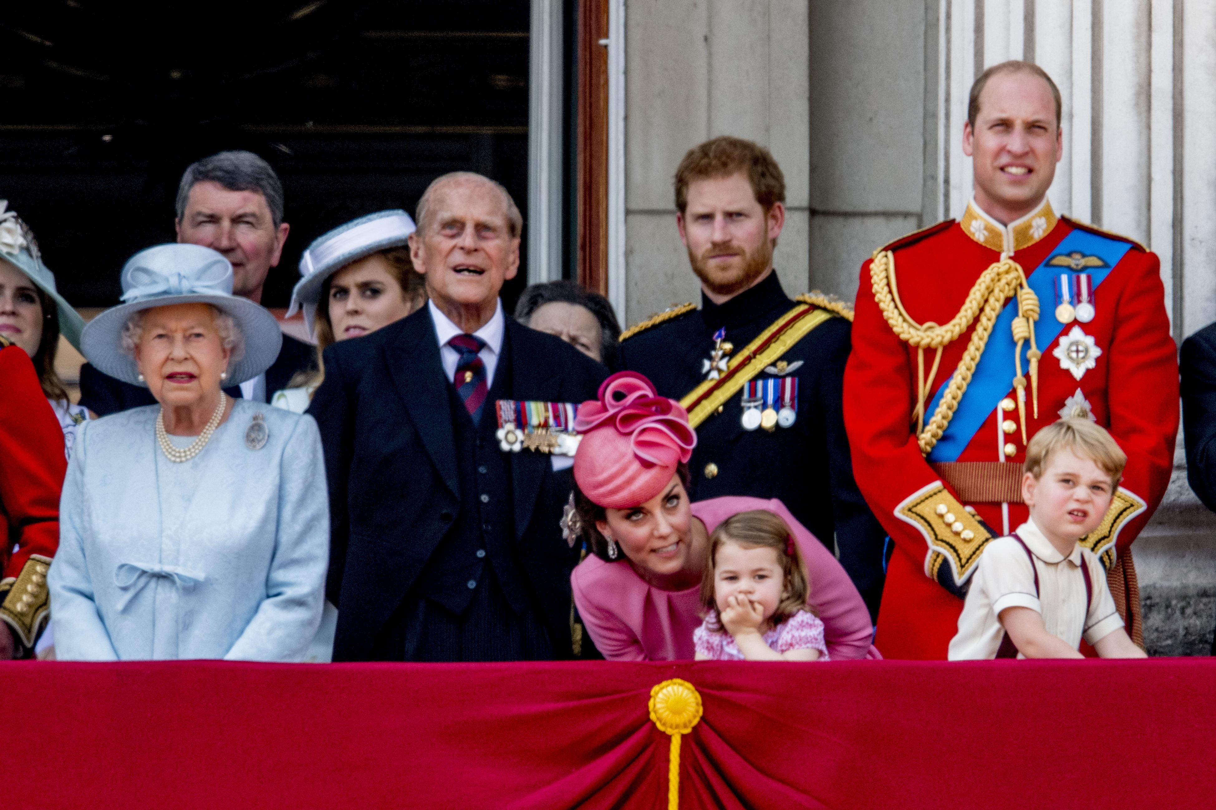 Gafă colosală a unuia dintre principalii membri ai Casei Regale Britanice în ajunul Anului Nou: `Este acela un terorist?`