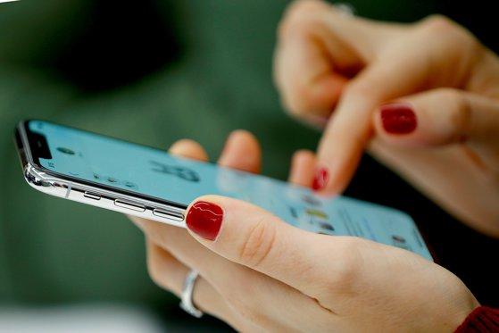 """Imaginea articolului Cum vor arăta noile iPhone-uri cu """"breton"""", lansate în toamna lui 2018 - FOTO"""