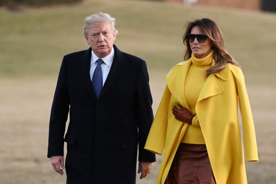 Imaginea articolului Donald Trump şi Melania, surprinşi PUBLIC într-o ipostază ce lasă loc de multe interpretări. IMAGINEA face înconjurul lumii