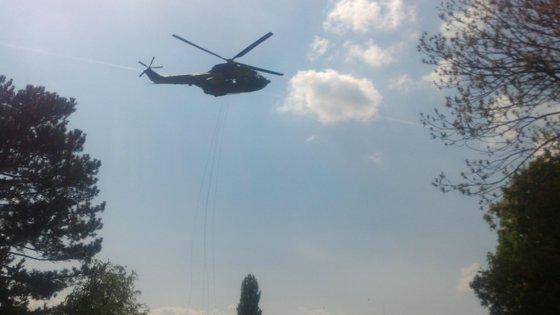 Imaginea articolului Coborâre în rapel pe lac, pentru capturarea unui lider inamic, de Ziua Forţelor Terestre, la Cluj | GALERIE FOTO, VIDEO