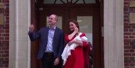 Primele imagini cu BEBELUŞUL REGAL, la aproximativ 6 ore de la naştere. Kate Middleton şi prinţul William l-au prezentat lumii, la ieşirea din spital | VIDEO