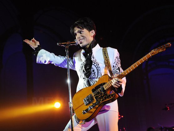Imaginea articolului Moartea prematură a lui Prince: Moştenitorii săi dau în judecată un spital şi o farmacie
