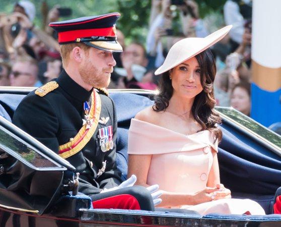 Imaginea articolului Prinţul Harry este stilistul soţiei sale, ducesa Meghan de Sussex