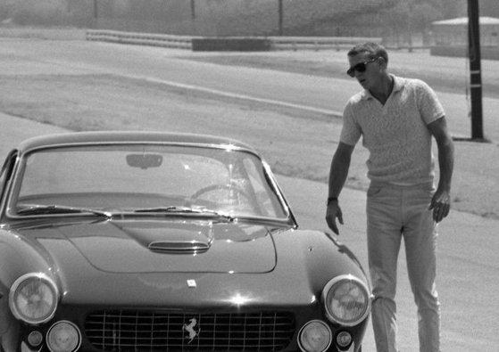 Imaginea articolului Familia unui celebru actor dă în judecată compania Ferrari, care foloseşte numele acestuia fără permisiune