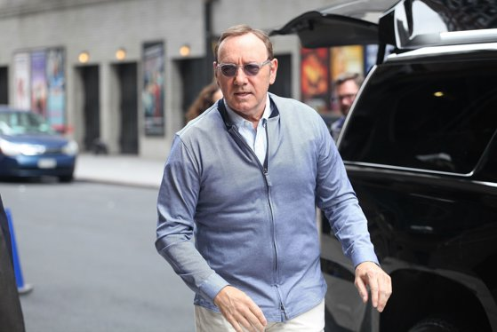 Picture of the article Kevin Spacey, just after the court hearing