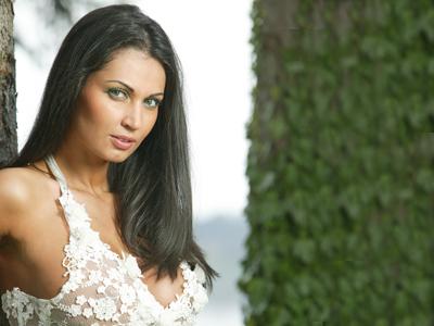 Sabina Petrescu Model Nicoleta luciu �şi va boteza