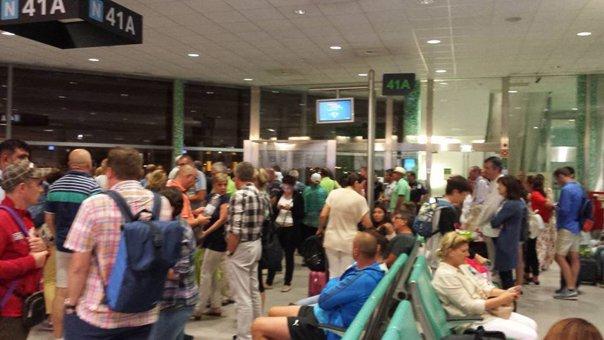 Imaginea articolului Romanian Tourists Stuck In Madrid Due To Cancelled Flight