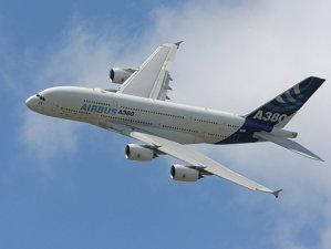 IMAGINI INEDITE: Cum este asamblat cel mai mare avion din lume în trei minute - VIDEO