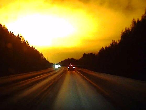 Imaginea articolului Un meteorit mai vechi decât Sistemul Solar a lovit Pământul şi oferă posibilităţi unice de studiere a Universului - FOTO