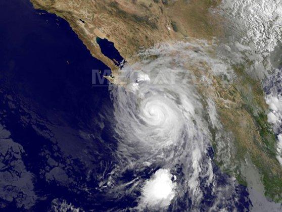 Imaginea articolului Un uragan s-a format în Oceanul Atlantic, o premieră pentru ianuarie în ultimele opt decenii